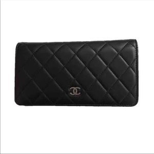 Chanel Lamb skin bifold wallet